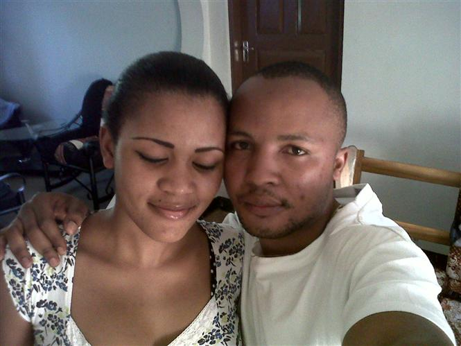 Shakuu and his wife