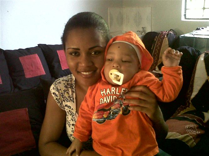 Shakuu's familly. mother and son.